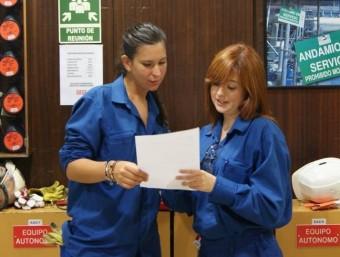 Els alumnes de la FP dual combinen la teoria als centres de formació amb les pràctiques a empreses des del primer dia.  ARXIU