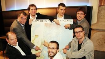Els participants del primer debat Foto:ANDREU PUIG
