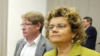 Fernández i Geli –dreta–, amb Montse Palma durant una assemblea del PSC l'any 2008 MIQUEL RUIZ