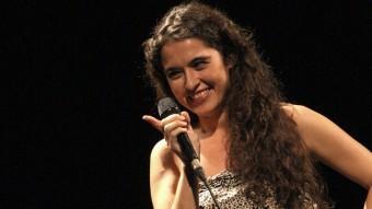 Sílvia Pérez Cruz, amb Raül Fernández 'Refree' al darrere, ahir a l'Auditori de Girona LLUÍS SERRAT