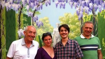 Salvador Oliva i els tres actors de l'espectacle: Gemma Reguant, Bernat Quintana i Sergi Mateu BARDÒLATRES