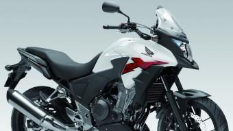 L'estil de la Honda CB500X recorda el de la 1200 V4 Cross Tourer. Comparteix gamma amb dos altres nous models però tant en aspecte com en l'apartat tècnic té punts diferenciadors.