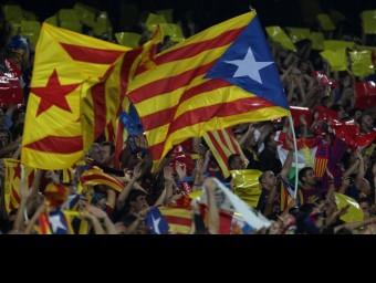 Estelades durant un partit del Barça al Camp Nou aquesta temporada. EL 9