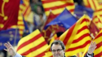Artur Mas en el míting final de CiU abans del 25-N. La davallada, s'intuïa. A. GEA / REUTERS
