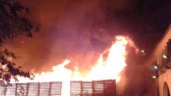 El foc s'ha produït al voltant de les tres de la matinada d'aquest diumenge ACN