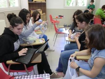 Un dels grups d'estudiants que han engegat un negoci.  GORAL