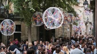 El carrer de la Força de Girona és un dels punts que més es col·lapsa en les jornades més massives que l'exposició de flors i no n'ha estat una excepció aquest any Foto:MANEL LLADÓ
