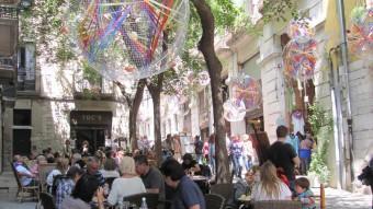 Una terrassa plena de gent, en aquest cas al carrer de la Força, dilluns passat D. VILÀ