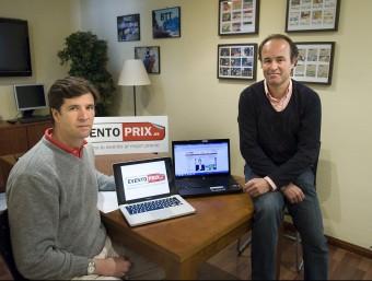 Javier Sánchez-Marco, a l'esquerra de la imatge, i Fernando Le Monnier són els artífexs d'Eventoprix.es.  JOSEP LOSADA