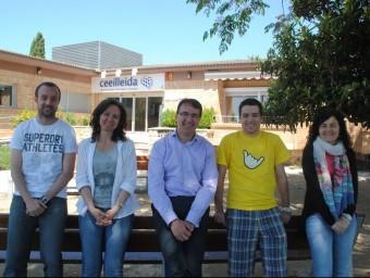 L'equip de Soluzion Digital de Lleida, amb el director, José Luis Pociello, al centre.  J.TORT