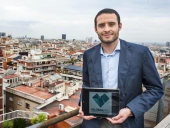 Miguel Fernández creu que l'èxit del negoci rau al fet que hi guanyen tant els pacients com els metges.  JOSEP LOSADA
