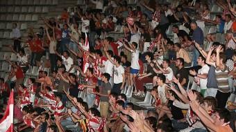 Les grades de Fontajau durant el partit a Alcorcón M. LL
