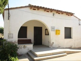 Dispensari de Vilamacolum, que tornarà a funcionar després de l'estiu. JOAN PUNTÍ
