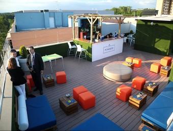 La nova terrassa d'estiu que s'ha obert al hotel Hilton de Girona. MANEL LLADÓ