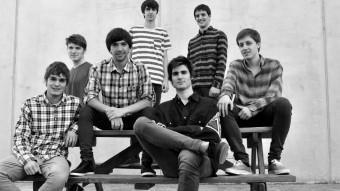 Els integrants d'Acció , d'esquerra a dreta, Aniol Alabau, Lucas Hope, Marc Foix, Aleix Cansell, Jordi Pareta, Eduard Frigola i Pau Feliu ACCIÓ