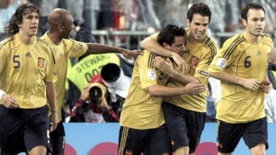 Puyol, Cesc, Xavi i Iniesta amb Senna celebrant un gol Foto:EFE
