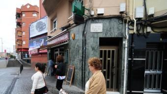 A Pubilla Cases molts veïns no es van sumar a la cadena humana que va travessar l'Hospitalet de Llobregat per la carretera de Collblanc. RAMON COSTA