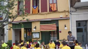 Bars i restaurants del Perelló van triplicar els clients amb motiu de la Via Catalana. J.C.LEÓN