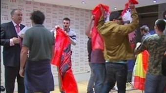 Un moment de l'atac feixista a la delegació del govern a Madrid ARXIU