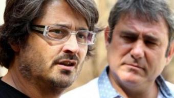 El cineasta Robert Bellsolà, observat atentament per Sergi López ICONNA (JORDI RIBOT)