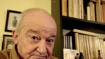 Juan Luis Panero a casa seva, a Torroella de Montgrí, entrevistat l'any 2011 per a la revista Presència. LLUÍS SERRAT