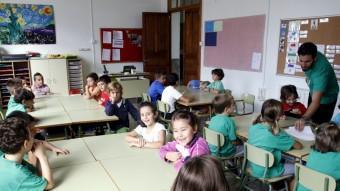 Alumnes de Primària d'una escola de Palma amb samarretes verdes el dia que es va reprendre el curs després de la vaga indefinida TERESA AYUGA / DBALEARS.CAT