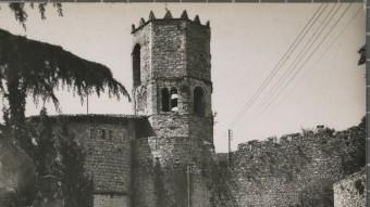 El portal de Sant Daniel amb Sant Pere de Galligants en una imatge de mitjan segle XX.  CRDI /AJ. DE GIRONA
