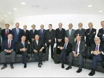 Trobada del Fòrum Pont Aeri a Barcelona, el setembre de2012, amb el ministre d'Afers Exteriors, José Manuel García-Margallo; l'expresident de Bankia, Rodrigo Rato; el compte de Godó; el president de Repsol; el president de Banc Sabadell; el portaveu adjunt de CiU al Congrés, Josep Sánchez Llibre; el president de Pronovias; el president de Barceleuro; el president de Mútua Madrileña; el director de La Vanguardia; el soci director d'Uría Menéndez; el president d'Indra; el president d'Agbar; el president de Barcelona Meeting Point; el president de Seeliger y Conde; el president de Cuatrecasas, Gonçalves Pereira; el conseller delegat de Metròpolis i el president d'AC Hoteles.  Foto:EFE