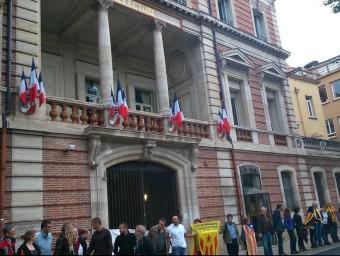 """La """"Via del Nord"""" al seu pas davant la Prefectura de Perpinyà, representació de l'Estat francès a la Catalunya del Nord. A.R"""