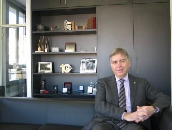 Pere Casals, president de la Cambra de Comerç de Manresa, al seu despatx.  ANNA AGUILAR