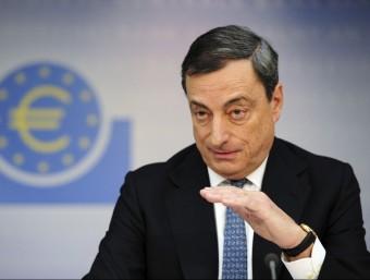 El president del BCE, Mario Draghi, en una roda de premsa.  ARXIU / DANIEL REINHARDT / EFE