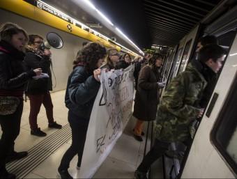 Protestes contra la pujada dels preus del transport públic a Barcelona el mes de gener passat.  ARXIU/ALBERT SALAMÉ