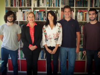 L'equip de Miximoms, amb Yolanda Bonilla al mig, a les oficines de la companyia.  Foto:MIXIMOMS