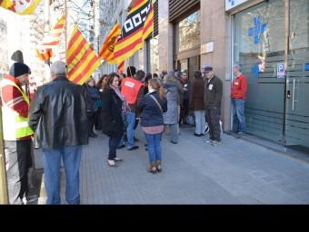 Concentració sindical a la seu de Fogasa a Girona el febrer passat.  ARXIU/IMMACULADA BOSCH