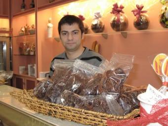 Jaume Albornà, a la pastisseria que regenta la seva família a l'Arboç.  M.R.C
