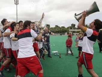 Els jugadors del Polo celebrant el títol de lliga de la temporada passada L'ESPORTIU