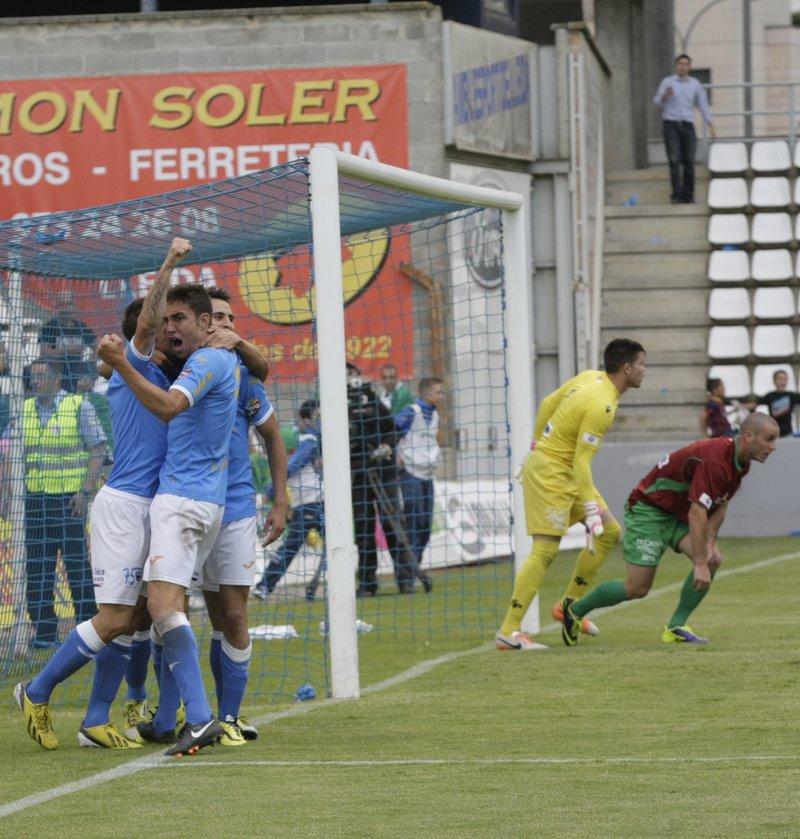 Els jugadors del Lleida celebren el segon gol 0c99eaf5efb04