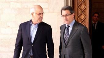 El líder d'UDC, Josep Antoni Duran i Lleida, i el president de la Generalitat i de CDC, Artur Mas, en una reunió al Palau ACN