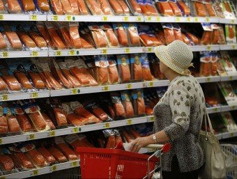 Un supermercat de Moscou amb productes importats de Bielorússia.  REUTERS