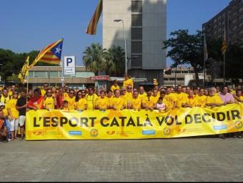 Una bona part del grup representatiu de l'esport català, que va reivindicar el dret a decidir PLATAFORMA PROSELECCIONS CATALANES
