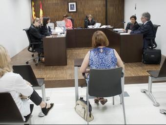 Una compareixença a un jutjat mercantil de Barcelona.  Foto:JOSEP LOSADA