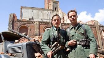 La minisèrie alemanya explica la trajectòria d'un grup d'amics durant la 2ona Guerra Mundial. REDACCIÓ