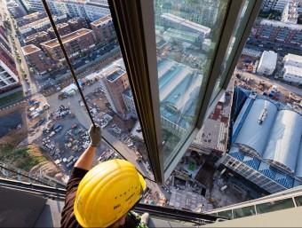 Operari a les obres de construcció de la nova seu del Banc Central Europeu a Frankfurt.  BCE
