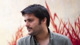 Miquel Abras, EN UNA DE LES IMATGES PROMOCIONALS DEL SEU NOU DISC, 'PER AMOR A L'ART' JUNY DEL LES ARTS PLÀSTIQUES SEMPRE HAN ESTAT MOLT PRESENTS A LA SEVA VIDA. EL SEU PARE ÉS L'ARTISTA PLÀSTIC JOAN ABRAS MARTA PICH