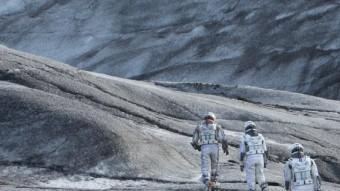 La humanitat explora altres planetes després d'esgotar la Terra a 'Interstellar' WARNER BROS