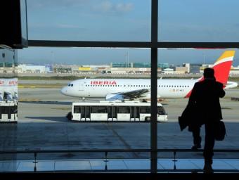 Els usuaris del pont aeri es concentren sobretot abans de les vuit del matí i especialment els dilluns.  QUIM PUIG