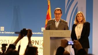 El president de la Generalitat, Artur Mas, i la vicepresidenta del govern, Joana Ortega, en la seva compareixença la nit del passat 9 de novembre ANDREU PUIG