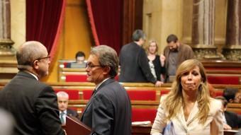 Sánchez-Camacho, al Parlament, al costat de Felip Puig i Artur Mas QUIM PUIG