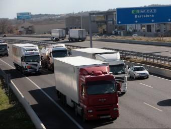 Imatge de camions de mercaderies que entren i surten de la ciutat de Barcelona.  Foto:ARXIU
