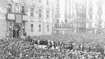 Manifestació a favor del projecte de llei de mancomunitats l'octubre del 1913. FONT: MUNDO GRÁFICO / BC, HEMEROTECA